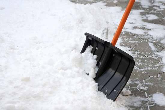 Щетка-скребок для уборки снега fit