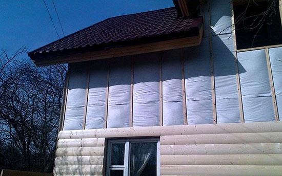 Обязательно используем теплоизоляцию при монтаже сайдинга